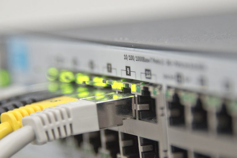 古いマンションでネットが繋がらない・開通できない場合の対処法