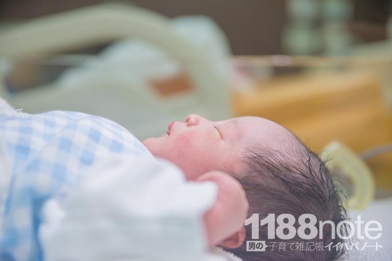 出産に立ち会って撮影した写真