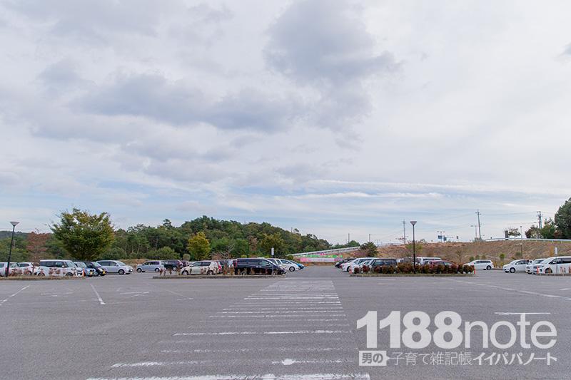 世羅ワイナリーの駐車場
