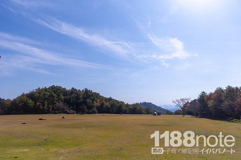 広島県三原市果実の森の芝生広場