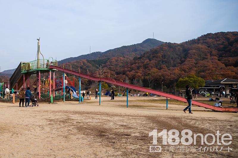 広島市安芸区瀬野川公園のすべり台