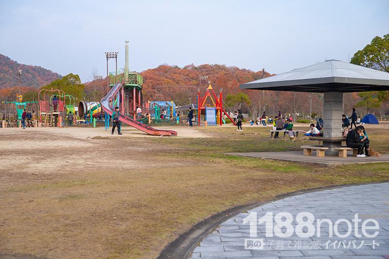 広島市安芸区瀬野川公園の東屋